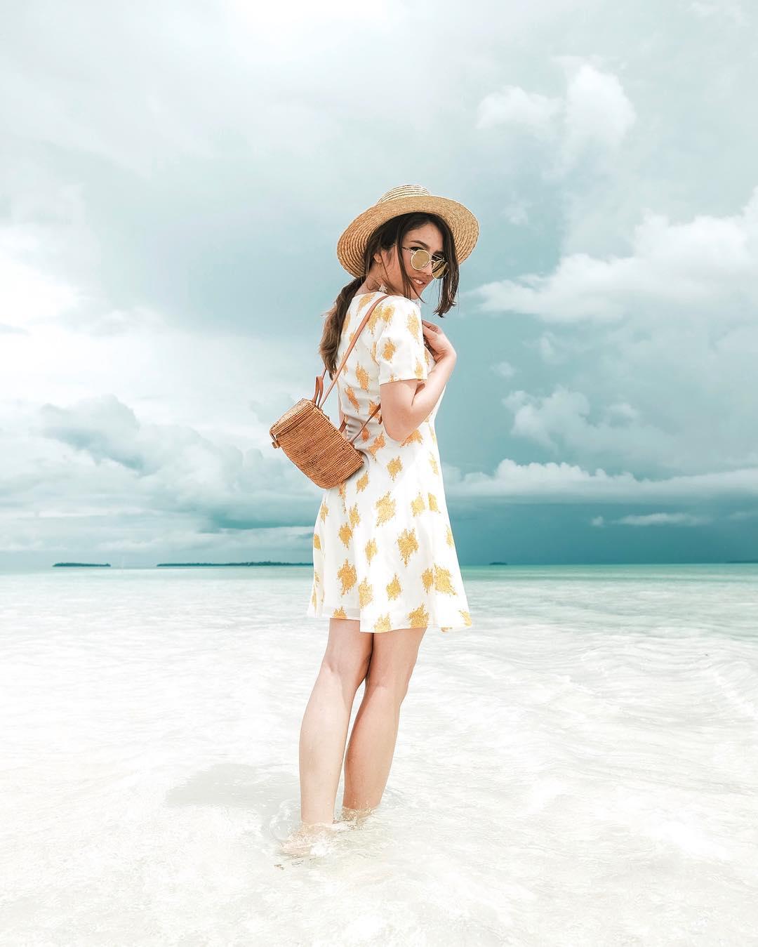 Punya Rencana Besok Weekend Pergi Ke Pantai Ini Nih 5 Tips Baju Untuk Ke Pantai Tanpa Harus